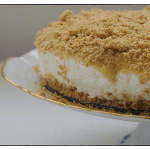 הבלוג של לייזה פאנלים | יומן מטבח קטן של עקרת בית גדולה | עוגת גבינה פירורים ללא אפייה