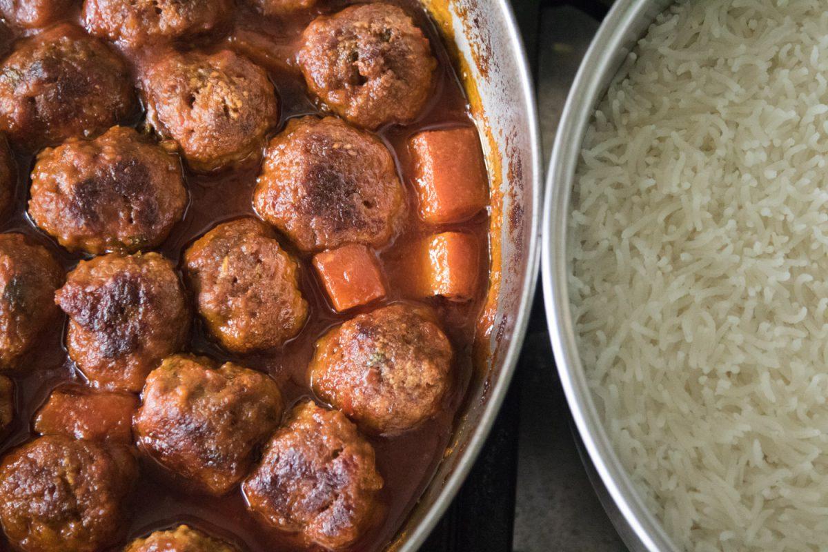 הבלוג של לייזה פאנלים | יומן מטבח קטן של עקרת בית גדולה | סיר קציצות אפויות עם דלעת 1