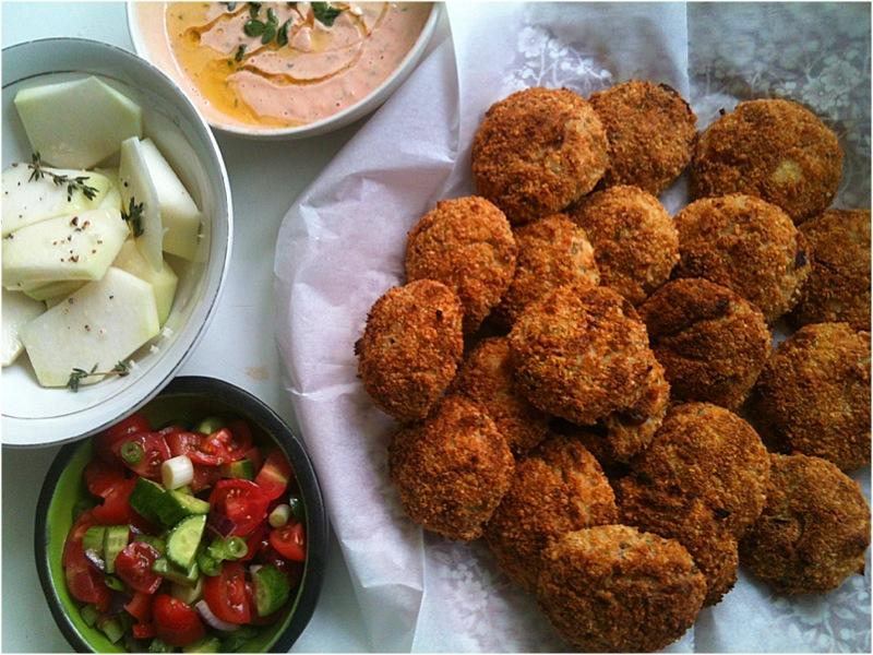 הבלוג של לייזה פאנלים | יומן מטבח קטן של עקרת בית גדולה | קציצות כרובית אפויות אלופיות! 1