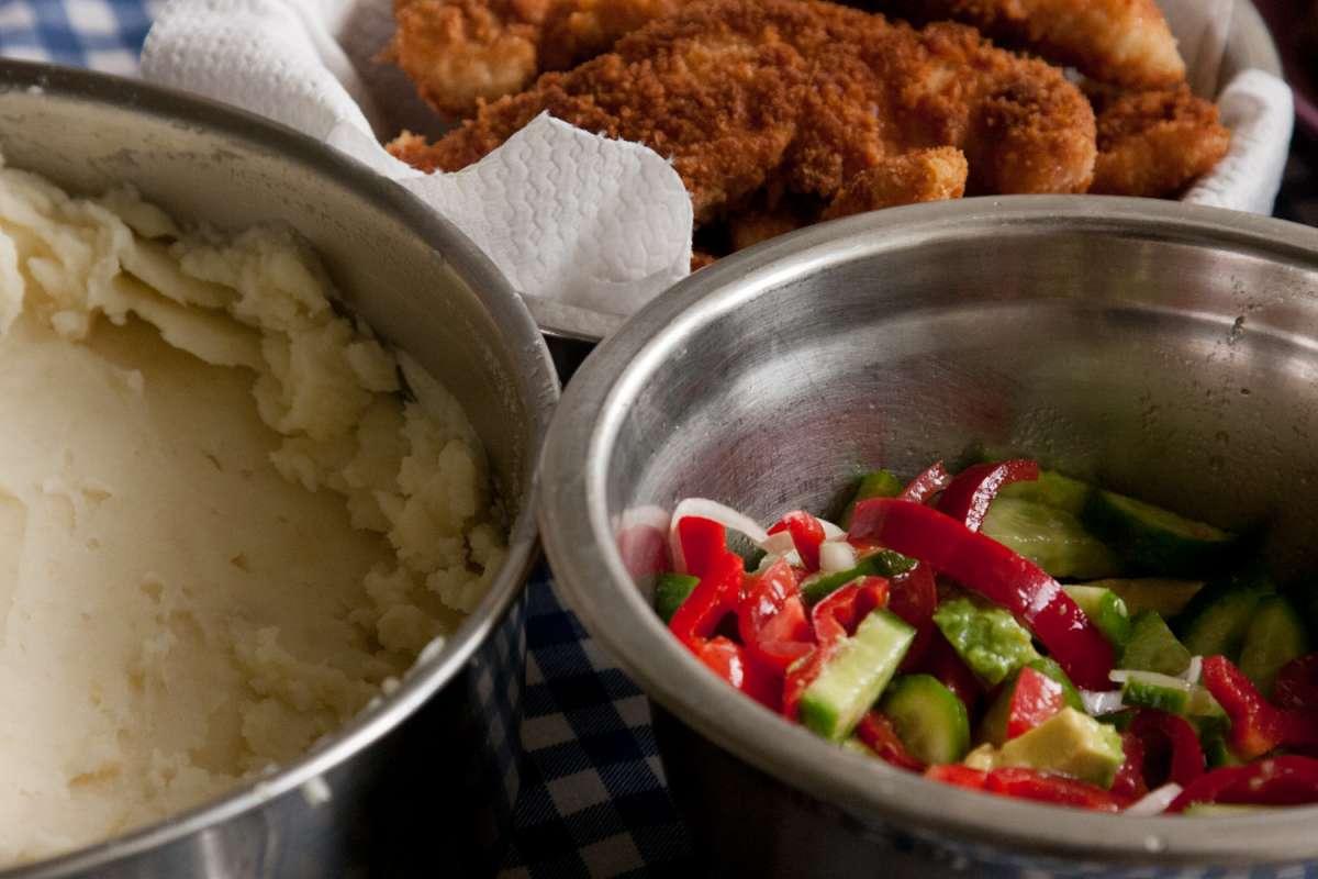 הבלוג של לייזה פאנלים | יומן מטבח קטן של עקרת בית גדולה | שניצל/ סלט/ אורז /פירה! 3