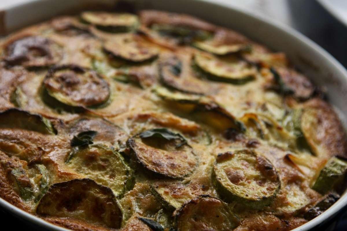 הבלוג של לייזה פאנלים | יומן מטבח קטן של עקרת בית גדולה | פשטידת קישואים 11