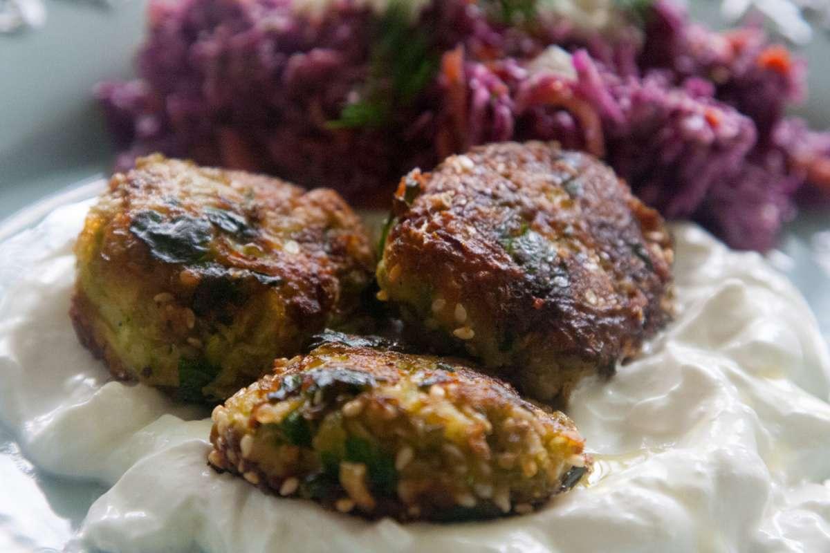הבלוג של לייזה פאנלים | יומן מטבח קטן של עקרת בית גדולה | קציצות אפונה אפויות 2