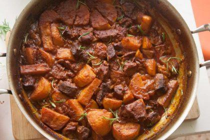 הבלוג של לייזה פאנלים | יומן מטבח קטן של עקרת בית גדולה | סיר של גולאש הכי טעים 2