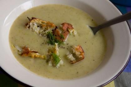 הבלוג של לייזה פאנלים | יומן מטבח קטן של עקרת בית גדולה | מרק קישואים פשוט וטעים 7
