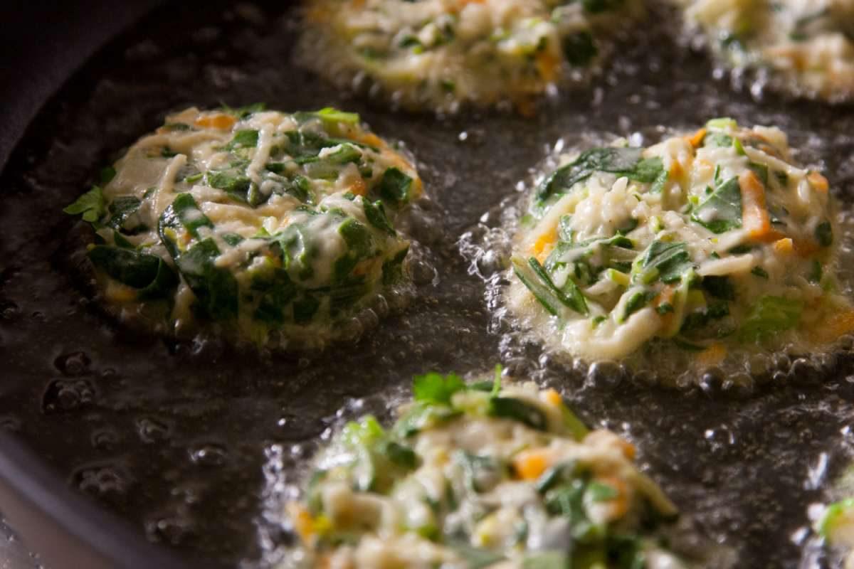 הבלוג של לייזה פאנלים | יומן מטבח קטן של עקרת בית גדולה | לביבות מנגולד 4