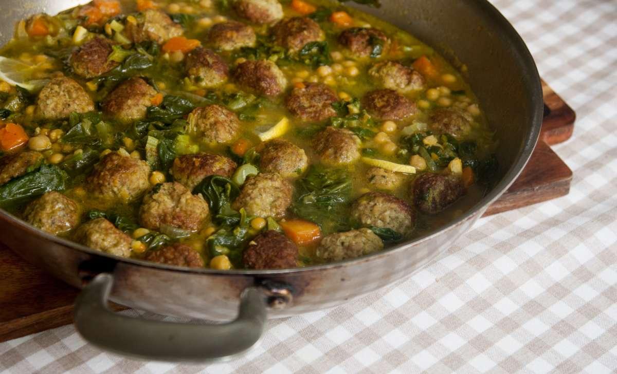 הבלוג של לייזה פאנלים | יומן מטבח קטן של עקרת בית גדולה | סיר חורף של קציצות 8