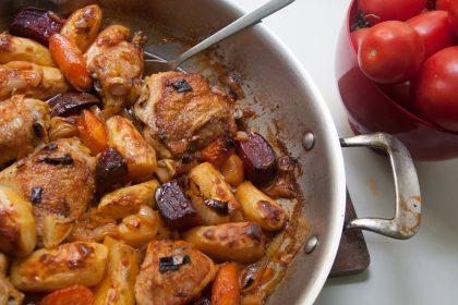 הבלוג של לייזה פאנלים | יומן מטבח קטן של עקרת בית גדולה | עוף בתנור עם תפוחי אדמה, סלק וגזר 2