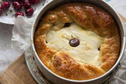 הבלוג של לייזה פאנלים | יומן מטבח קטן של עקרת בית גדולה | כתר גבינה, רוגלעך וגביניות מבצק נפלא של שמרים 1