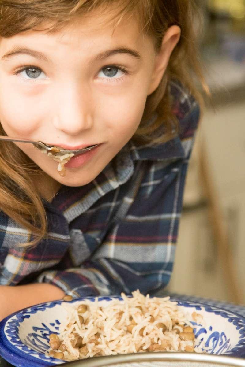 הבלוג של לייזה פאנלים | יומן מטבח קטן של עקרת בית גדולה | אורז עם עלי גפן חגיגי 16