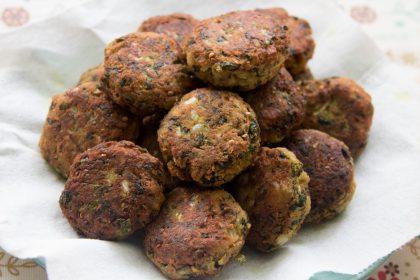 הבלוג של לייזה פאנלים | יומן מטבח קטן של עקרת בית גדולה | קציצות חצילים ומנגולד נפלאות 2