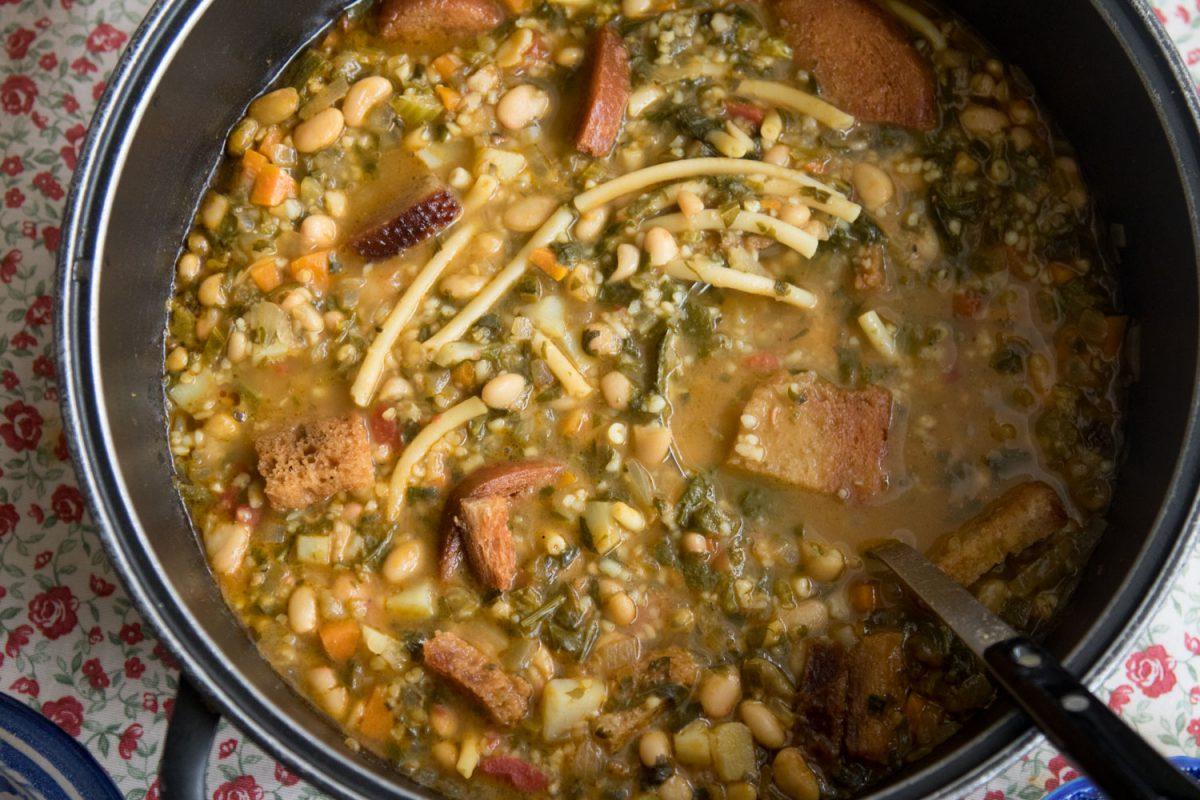 הבלוג של לייזה פאנלים | יומן מטבח קטן של עקרת בית גדולה | מרק כפרי של חורף 4